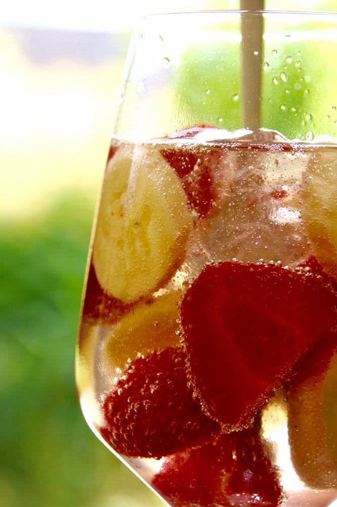 Erdbeerbananenprosecco auf Eis